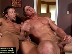 Muscle pornstar gets straight ass fucked in high def