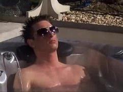 Big Brother Degouden na Hot Tub
