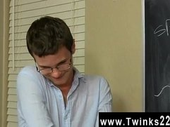 Gay emo blow job movies Timo Garrett gives his teacher Julian Smiles